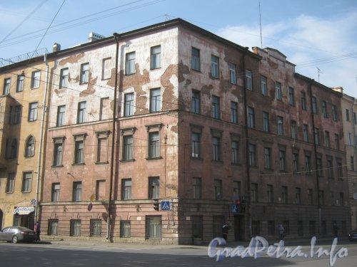 Рижский пр., дом 35. Угол дома. Фото апрель 2012 г.