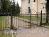 Санаторная аллея, д. 3. Въездные ворота. Фото сентябрь 2010 г.