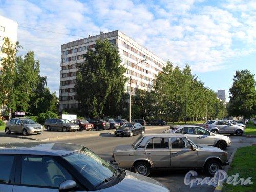 Серебристый бульвар, дм 28, корпус 1. Фото 8 июля 2013 г.