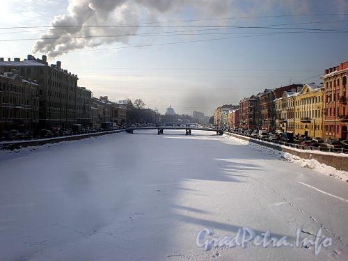 Река Фонтанка на участке от Семеновского моста в сторону Горсткина пешеходного моста. Фото февраль 2010 г.
