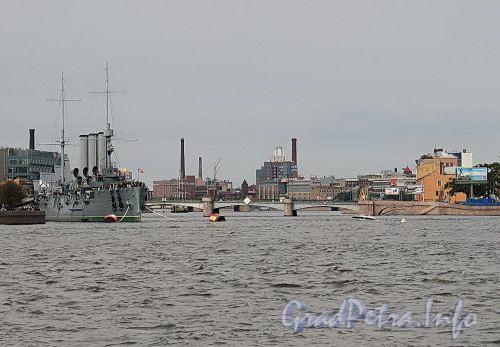 Река Большая Невка. Вид с набережной Кутузова. Фото сентябрь 2010 г.