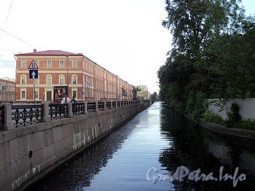 Крюков канал на участке от Адмиралтейского канала в сторону реки Мойки. Фото июнь 2010 г.