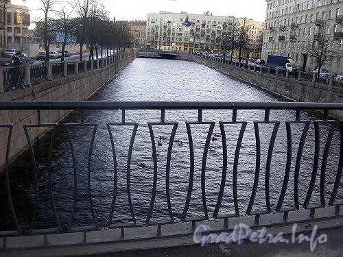 Река Карповка. Участок между Карповским и Геслеровским мостами.