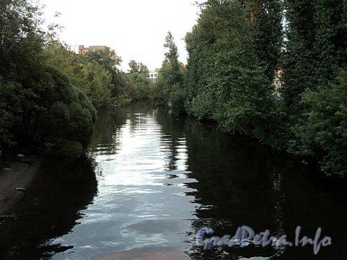 Участок реки Карповки от Барочного моста в сторону Карповского моста. Фото сентябрь 2010 г.