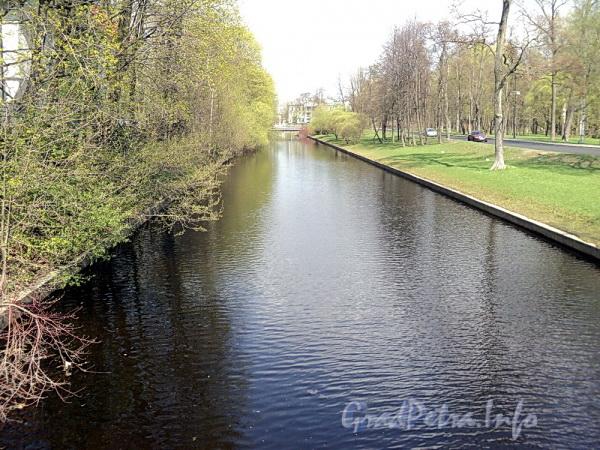 Большой канал на участке от 11-го Каменноостровского моста в сторону 9-го Каменноостровского моста. Фото май 2011 г.