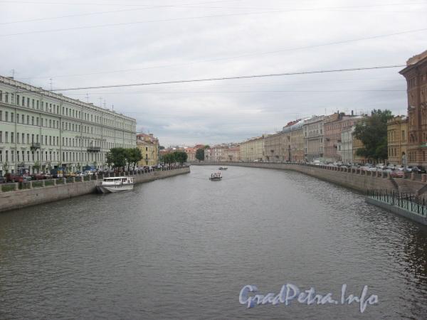 Река Фонтанка от моста Ломоносова в сторону Невского пр. Фото июль 2008 г.