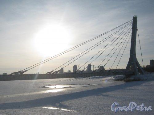 Дудергофский канал. Вид от ул. Маршала Захарова в сторону новостроек на Петергофском шоссе. Мост с трубами ТЭЦ. Фото 28 января 2013 г.