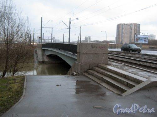 Дудергофский канал. Мост через Петергофское шоссе. Фото декабрь 2013 г.