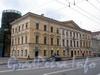 1-я линия В.О., д. 20 (левая часть) / Большой пр. В.О., д. 1 (правый корпус).жилой корпус церкви св. Екатерины. Общий вид здания. Фото май 2010 г.
