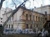3-я линия В.О., д. 2, лит. А. Здание Мозаичного отделения Академии художеств. Вид правого крыла здания из сада Академии художеств. Фото ноябрь 2009 г.