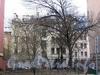 3-я линия В.О., д. 14. Бывший доходный дом. Общий вид здания в глубине участка. Фото май 2010 г.