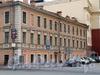 3-я линия В.О., д. 60 / Малый пр. В.О., д. 3. Бывший доходный дом. Фасад по линии. Фото май 2010 г.