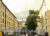 7-я линия В.О., д. 6. Вид из Днепровского переулка. Фото август 2010 г.