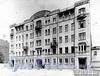 6-я линия В.О., д. 37. Фасад лицевого корпуса. Фотоателье К. К. Буллы, 1913 г. (из архива ЦГАКФФД)