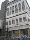 7-я линия В.О., дом 84а. Фрагмент здания со стороны фасада и 7-й линии. Фото 12 февраля 2013 г.