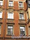 4-я линия В.О., дом 47. Фрагмент фасада здания. Фото 30 апреля 2013 г.
