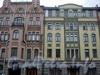 Правый корпус и левая часть левого корпуса здания. Фото июль 2004 г.