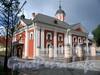 6-я линия В.О., д. 11. Церковь во имя Трех Святителей. Общий вид. Фото август 2009 г.