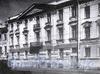 Кадетская линия В.О., д. 19. Доходный дом Э. Л. Гюнтера. Фасад здания. Фото 1995 г. (из книги «Историческая застройка Санкт-Петербурга»)