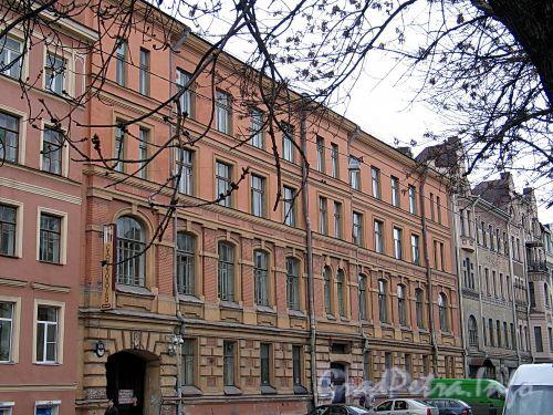 3-я линия В.О., д. 50. Фасад здания. Фото май 2010 г.