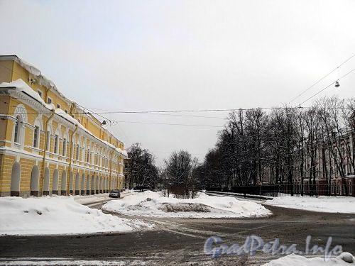 Перспектива Менделеевской линии от площади Сахарова в сторону Университетской набережной. Фото январь 2011 г.