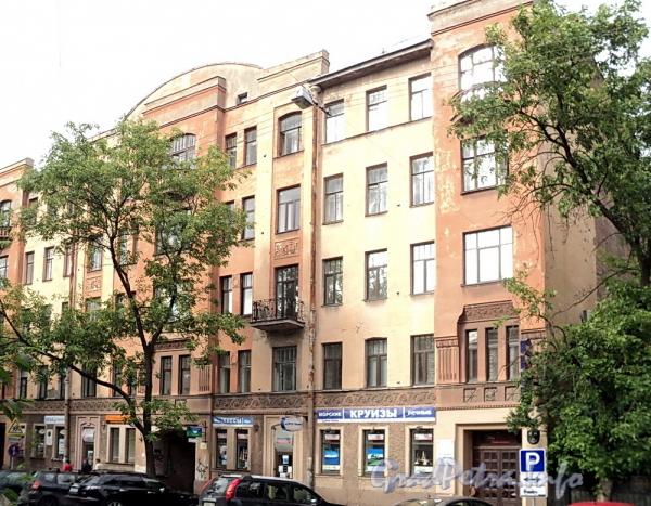 6-я линия В.О., д. 37. Фасад лицевого корпуса. Фото июнь 2010 г.