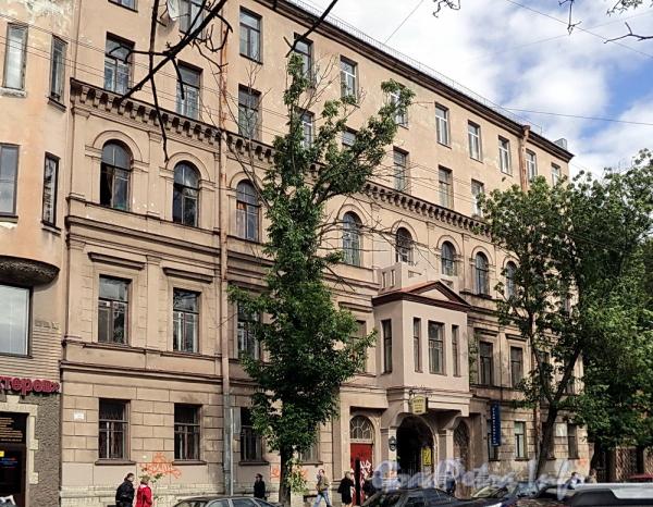 6-я линия В.О., д. 39. Фасад здания. Фото июнь 2010 г.