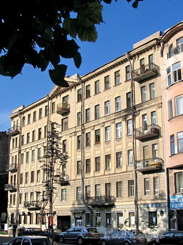 6-я линия В.О., д. 43. Фасад здания. Фото август 2010 г.