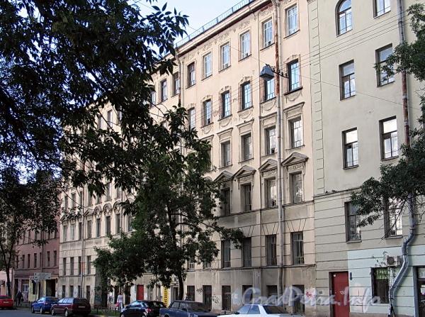 6-я линия В.О., д. 49. Фасад здания. Фото август 2010 г.