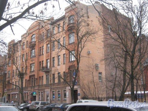 6-я линия В.О., дом 37. Общий вид с 7-й линии В.О. Фото 12 февраля 2013 г.