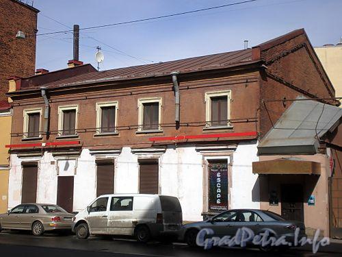 8-ая линия В.О., д. 77 (левая часть). Здание бумагопрядильной фабрики М.И.Борисовской. Фасад здания. Фото апрель 2009 г.