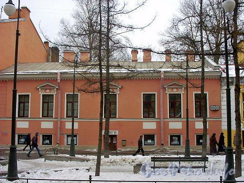 6-я линия, В.О., д. 15 (правый корпус). Фасад здания. Фото 2003 г.
