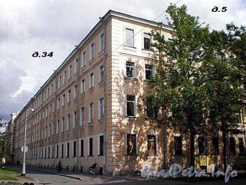 12-я линия В.О., д. 5 / Большой пр., В.О., д. 34. Здание 1-го реального училища. Общий вид здания. Фото август 2009 г.