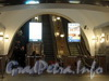 Перронный зал станции метро «Кировский Завод». Эскалаторы. Фото март 2011 г.