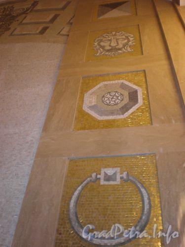 Станция метро «Спасская». Фрагмент мозаичного панно «Зодчеству Петербурга». Фото декабрь 2009 г.