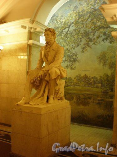станция метро Пушкинская. Памятник Пушкину. Январь 2009 г.