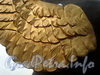 Позолоченые крылья грифонов Банковского моста после реставрации. Фото февраль 2010 г.