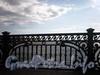 Фрагмент ограждения Троицкого моста. Фото май 2009 г.