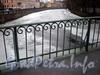 Фрагмент ограждения Краснофлотского пешеходного моста. Фото март 2009 г.