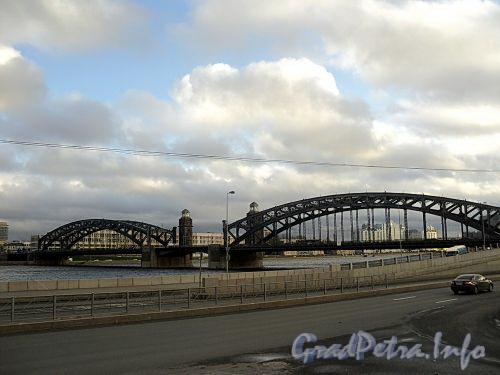 Большеохтинский («Петра Великого») мост через Неву. Фото октябрь 2010 г.