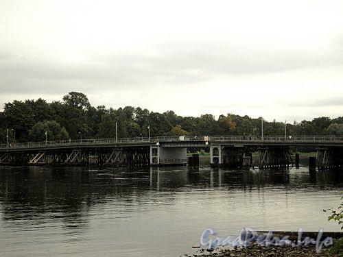 2-й Елагин мост через Среднюю Невку. Фото сентябрь 2010 г.