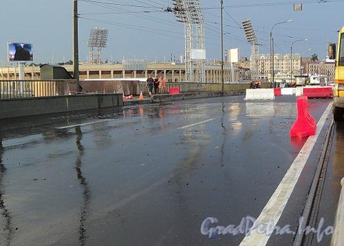 Работы на Тучковом мосту. Фото июль 2010 г.
