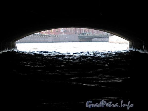 Под Синим мостом. Фото июнь 2011 г.