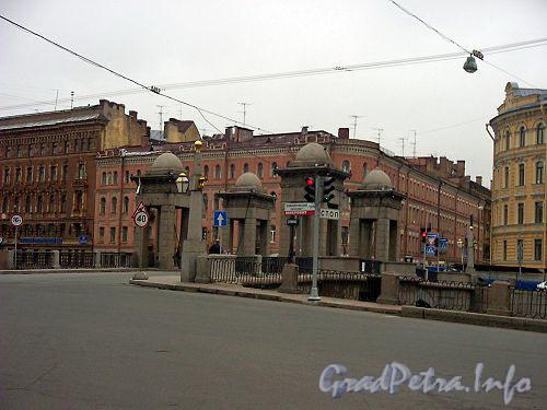 Мост Ломоносова. Вид от площади Ломоносова. Фото июнь 2004 г.