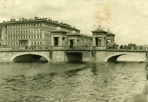 Мост Ломоносова. «Чернышев мост (мост Ломоносова)». Открытка 1929 года.