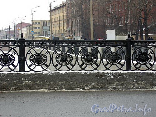 ограда Ново-Петергофского моста
