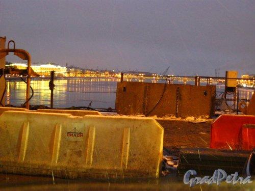 Ремонтные работы на Дворцовом мосту. Фото январь 2013 г.