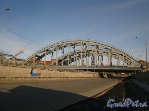 Открыто движение под мостами.