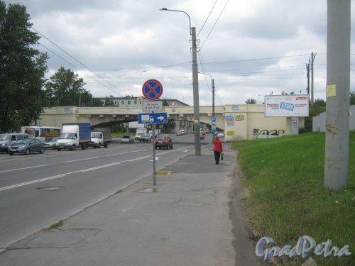 Железнодорожный мост над Дальневосточным пр. Вид с Зольной ул. Фото 23 июля 2013 г.