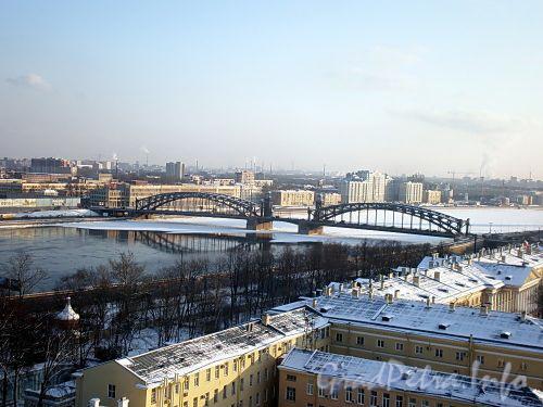 Вид на Большеохтинский («Петра Великого») мост с колокольни Смольного собора. Фото февраль 2009 г.
